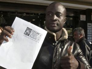 Ngagne chegou à Espanha em 2007, após ser resgatado de naufrágio. (Foto: BBC)