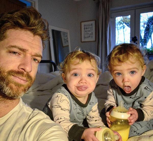 Simon é pai de quatro meninas (Foto: reprodução)