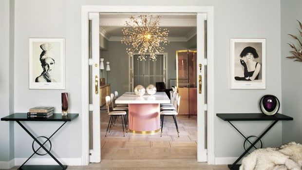 Apartamento tem iluminação com efeito de joias (Foto: Montse Garriga/divulgação)