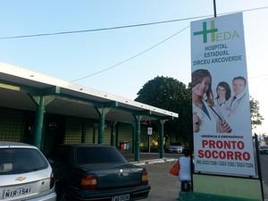 Hospital Estadual Dirceu Arcoverde é o maior centro médico do Litoral do Piauí (Foto: Patrícia Andrade/G1)