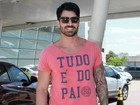 Rodrigão vai a cartório no Rio para registrar filho com Adriana