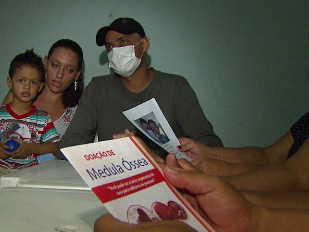 Família organiza campanha para cadastro de doadores de medula óssea em São João da Boa Vista (Foto: Rodrigo Sargaço/EPTV)