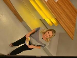 Carla Fachim é a apresentadora do Bom Dia Rio Grande (Foto: Divulgação, RBS TV)