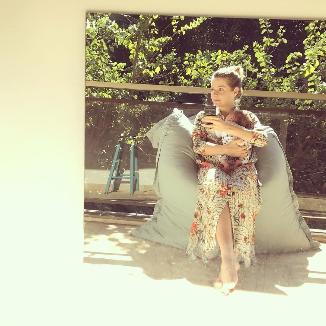 Vitória Frate posa primeira foto com bebê (Foto: Instagram/Reprodução)