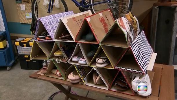 Sapateira de papelão e arame é fácil e barata de fazer (Foto: TV Globo/É de Casa)