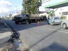 Caminhão quebra em avenida da Serraria e causa congestionamento