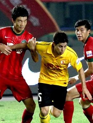 Conca na partida do Guangzhou Evergrande (Foto: Divulgação)
