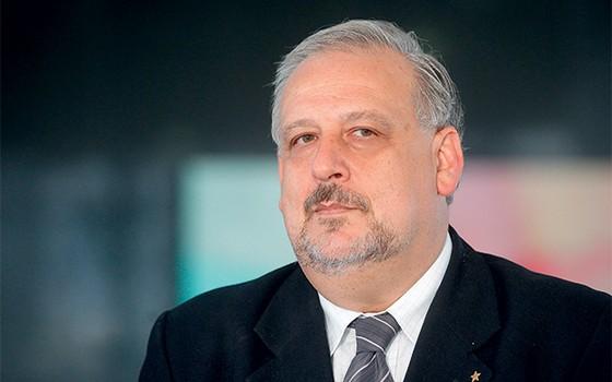 ELE MANDOU Ricardo Berzoini travou a votação da regra para terceirizados (Foto: Alan Marques/ Folhapress)