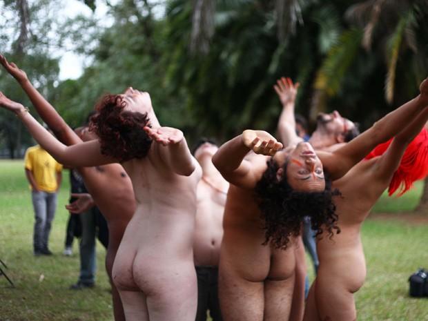 Ato pela liberdade da nudez (Foto: Renato S. Cerqueira/ Futura Press/ Estadão Conteúdo)