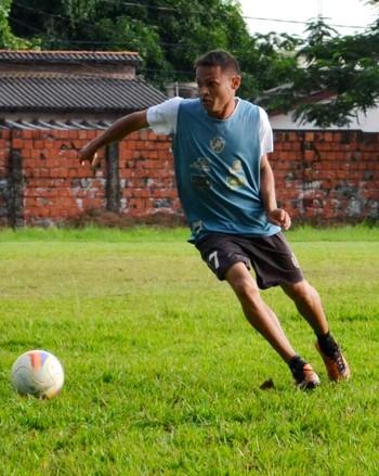 Wellington Peteca, atacante do Vasco-AC (Foto: Nathacha Albuquerque)