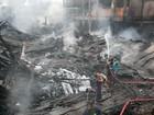 Sobe para 33 número de mortos em incêndio em fábrica de Bangladesh