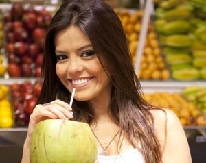 Ana Flávia dá dicas de compras saudáveis (Foto: Domingão do Faustão / TV Globo)