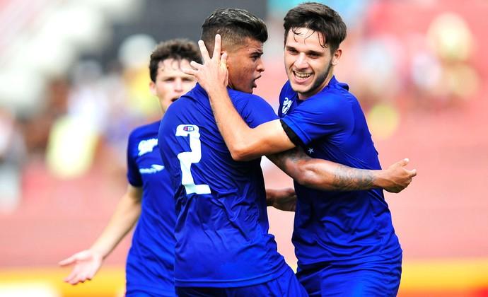 Daniel Vançan comemora gol do Cruzeiro contra o Araguaína, Copinha (Foto: Hélio Suenaga / Agência estado)