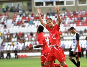 Carlão marcou o segundo gol do CRB (Foto: Ailton Cruz/ Gazeta de Alagoas)