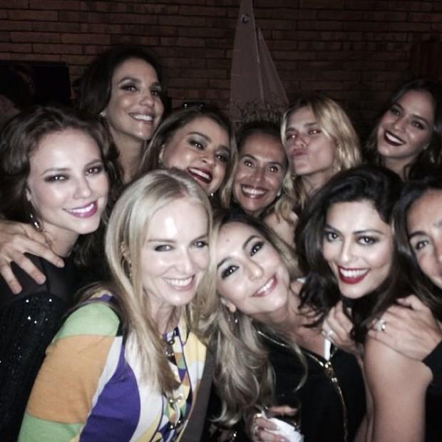 Angelica recebe atrizes comoo Juliana Paes, Bruna Marquezine e Paola Oliviera (Foto: Reprodução do Instagram)