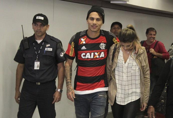Guerrero aeroporto Rio (Foto: Gilvan de Souza / Flamengo)