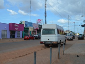Ciclovia sem sinalização e abandonada em Boa Vista (Foto: Natacha Portal/ G1)