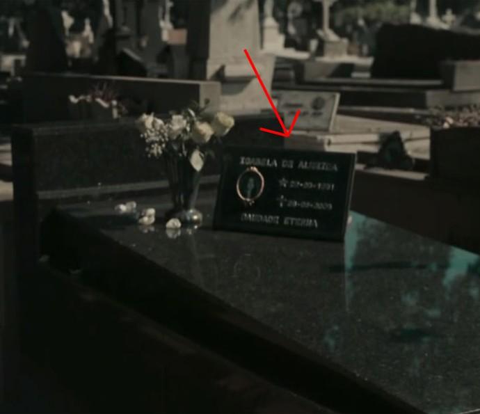 No mesmo cemitério está o túmulo de Isabela (Foto: TV Globo)