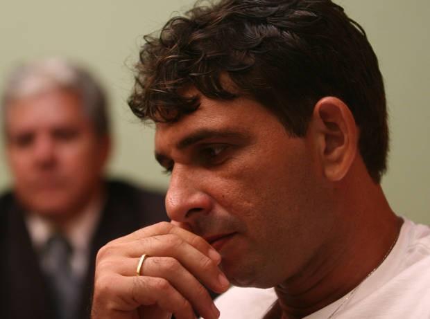 Rayfran Sales foi beneficiado com o direito de dormir em casa e cumprir o resto da pena em prisão domiciliar na última terça-feira (2). (Foto: Shirley Penaforte/Amazônia Hoje)