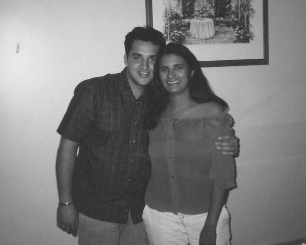 Renata e Júnior já casados (Foto: Arquivo pessoal)