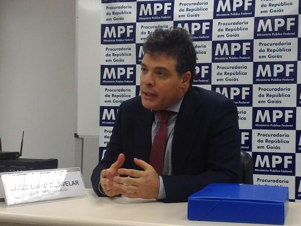 Procurador da República Mário Lúcio de Avelar denunciou 35 envolvidos na Operação Decantação que investiga desvios na Saneago, em Goiás (Foto: Vanessa Martins/G1)
