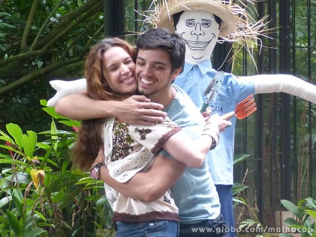 Agora é torcer pra Fatinha topar o casório com o guru! (Foto: Malhação / Tv Globo)