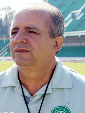 Vad&#227;o, t&#233;cnico do Guarani (Foto: M&#225;rcio de Campos / EPTV)