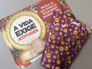 Usar preservativo é a melhor forma de evitar contaminação pelo vírus HIV nas relações sexuais (Foto: Paola Fajonni/G1)