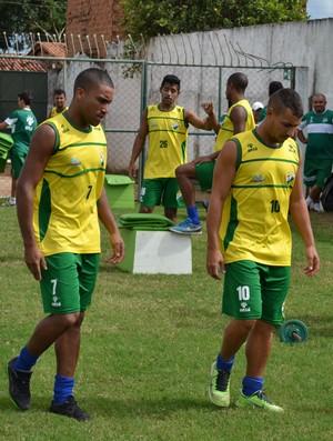 Jogadores do Coruripe treinam no Gérson Amaral (Foto: Jota Rufino/GloboEsporte.com)