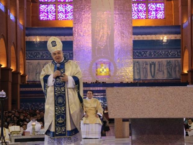 Dom Orani Tempesta, Arcebispo do Rio de Janeiro, celebra missa em Aparecida durante romaria carioca na manhã deste sábado (30). (Foto: Divulgação/ Santuário Nacional)