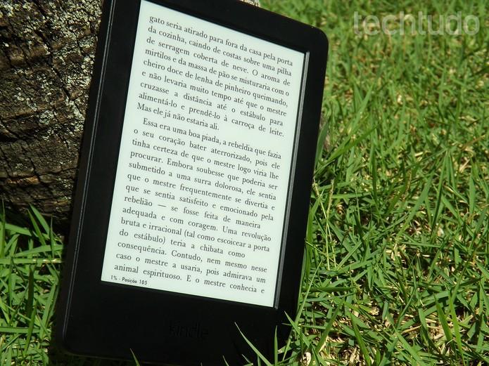 Tela do Kindle não reflete no sol e utiliza tecnologia Pearl e-paper (Foto: Barbara Mannara/TechTudo)