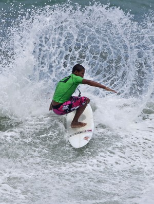 Wesley Dantas surfista (Foto: Munir El Haje / FMA Notícias)