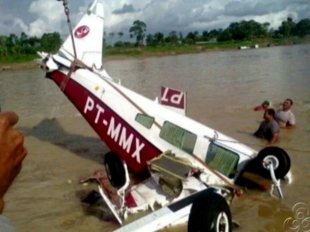 Avião envolvido em acidente em Envira (Foto: Reprodução/TV Amazonas)