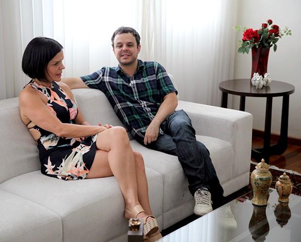 Adrilles e a mãe Izilda moram na mesma casa em Belo Horizonte (Foto: Leonardo Viso/Gshow)