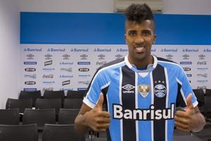 Bruno Cortez lateral-esquerdo Grêmio (Foto: Lucas Uebel/Grêmio/Divulgação)