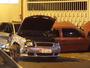 Motorista embriagado bate em carro  e deixa passageira ferida