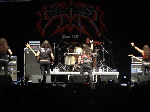 Headhunter, da Bahia, despejou seu death metal furioso. (Foto: Maurício Penedo / G1)