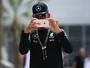Popstar das redes sociais, Hamilton  é proibido de filmar bastidores da F1