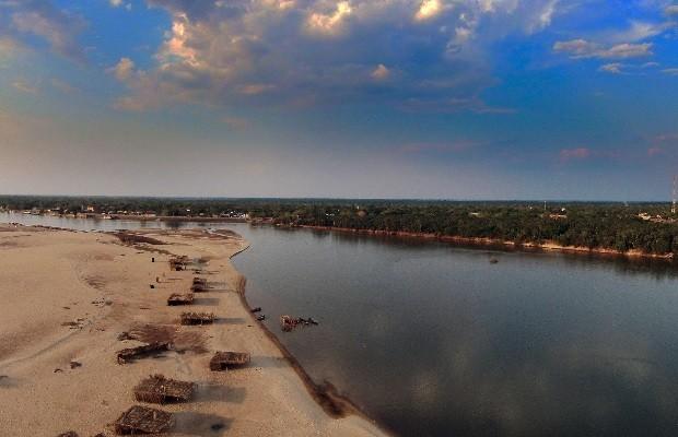 4256ae4e33d3 Polícia investiga desmatamento e poluição no Rio Araguaia em São Miguel do  Araguaia, Goiás (