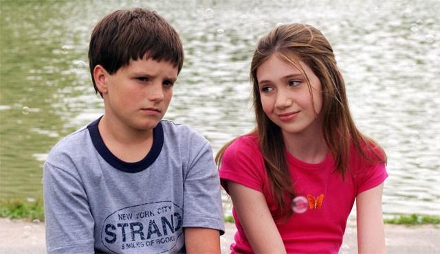 Josh Hutcherson e Charlie Ray como Gabe e Rosemary em 'ABC do Amor' (2005) (Foto: Reprodução)