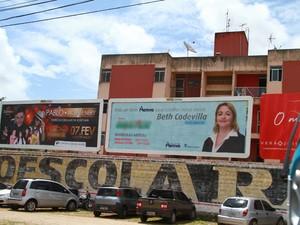 Outdoors também não podem ser instalados em terrenos edificados (Foto: Rizemberg Felipe/Jornal da Paraíba)