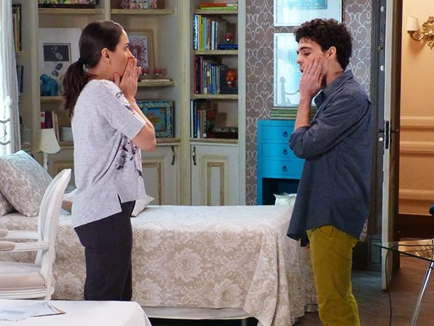 Suzana se irrita e dá um tapa na cara do filho (Foto: Gshow)