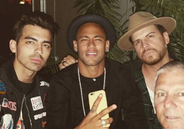 Neymar com Joe Jonas e Dave-O em Nova York (Foto: Reprodução/Instagram)