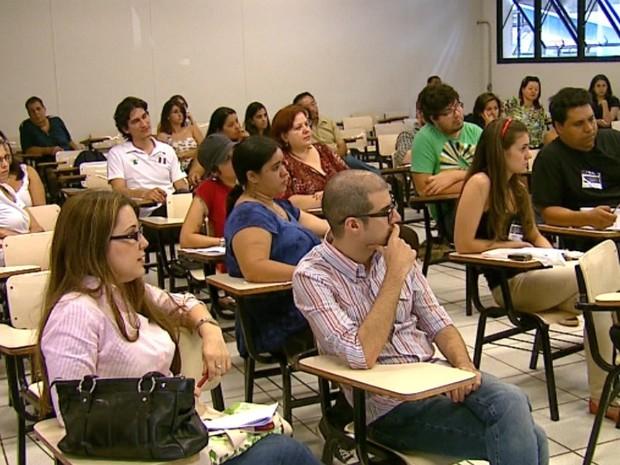 Congresso reuniu especialistas do país e do exterior na Unesp de Araraquara (Foto: Adriano Ferreira / EPTV)