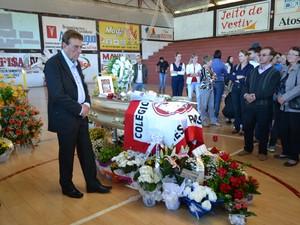 Velório do menino encontrado morto no Noroeste do Rio Grande do Sul (Foto: Cristiane Luza/Jornal Folha do Noroeste)