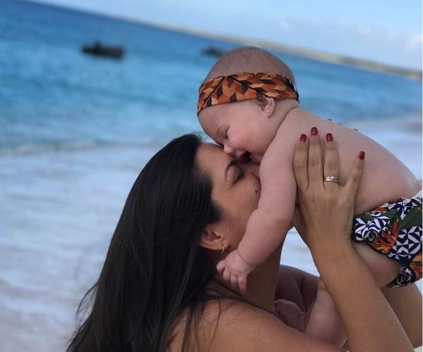 Thais Fersoza relembra foto fofa com a filha, Melinda: 'Meu coração dispara'