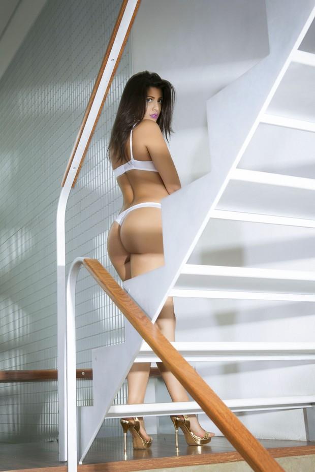 Mary Silvestre posa sensual (Foto: John Deivison / Site Diamond)