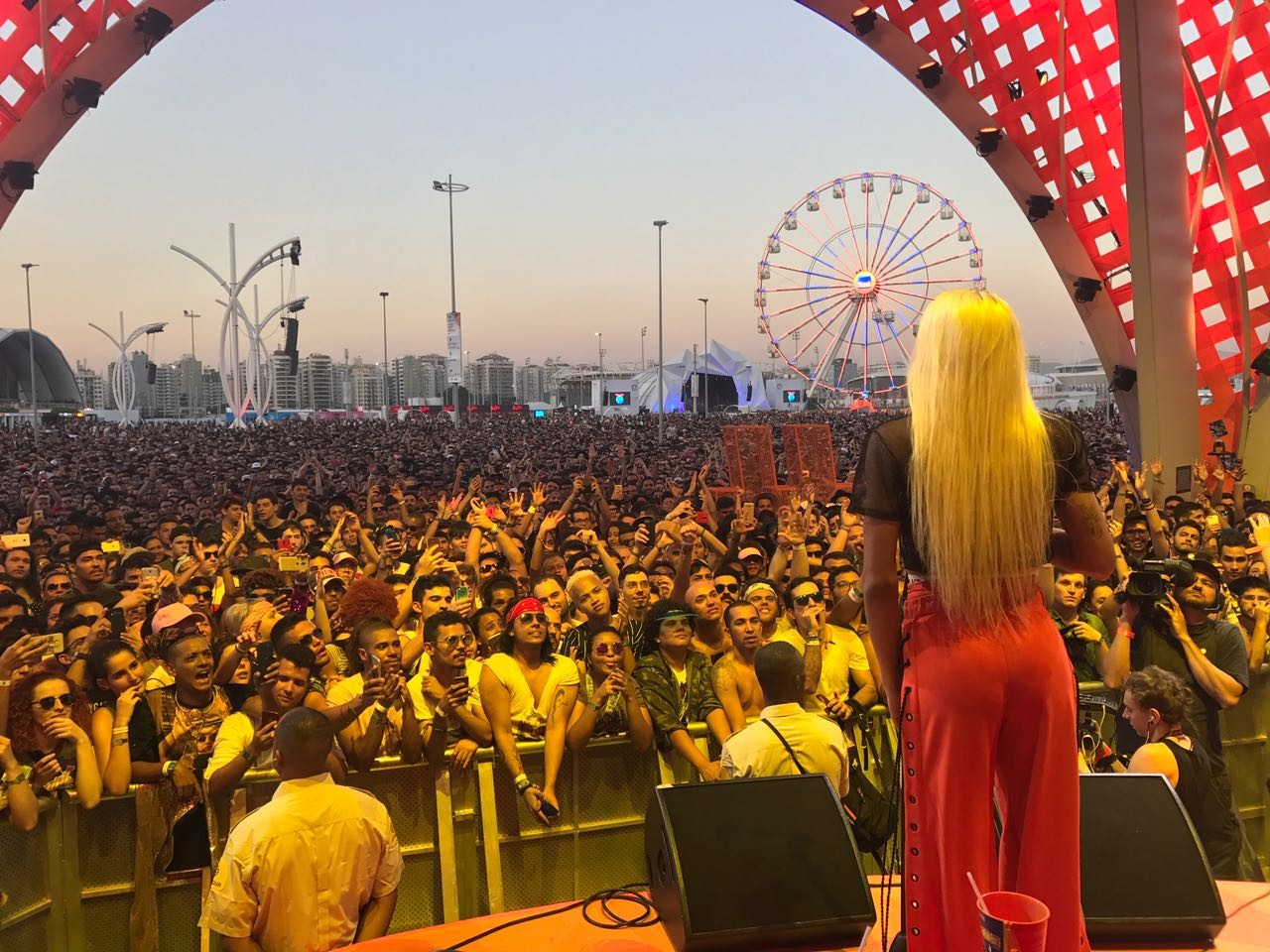 Pabllo Vittar junta multido no Rock in Rio 2017 (Foto: Reproduo)