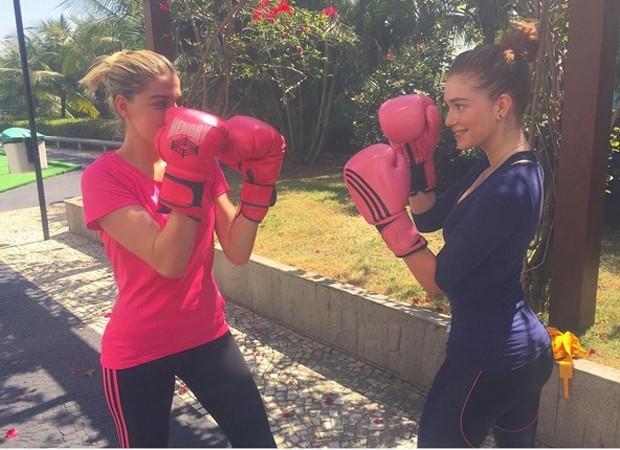 Luma Costa e Marina Ruy Barbosa: treino de muay thai (Foto: Reprodução/Instagram)