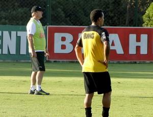 Levir Culpi no treino do Atlético-MG (Foto: Fernando Martins)